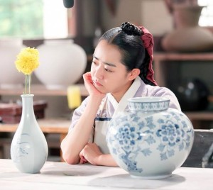 production-on-the-south-korean-drama-goddess-of-fire-jung-yi-had-to-be-halted-last-week-after-the-shows-star-moon-geun-young-was-injured-by-falling-film-equipment-wednesday-at-the-height-of-the-chuseok-holiday-s
